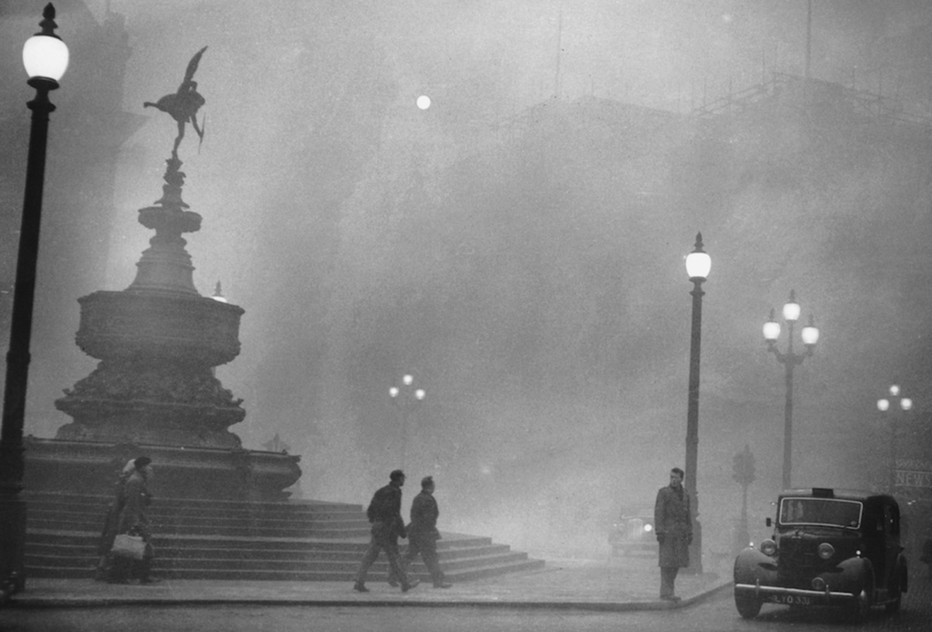 Thick fog descended on London in early December of 1952, although its adverse health effects would not be known for some time.